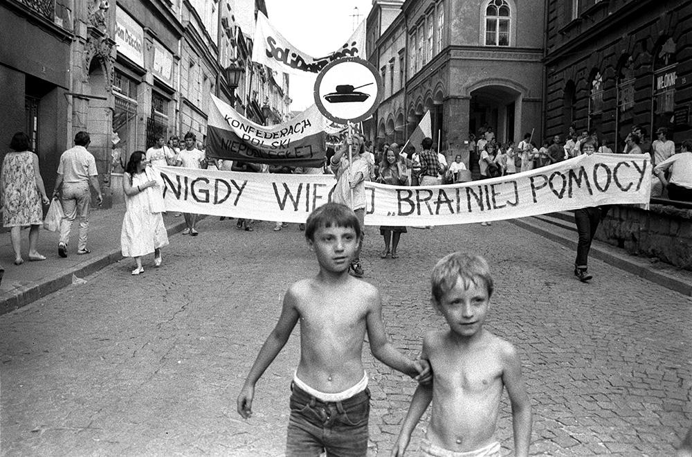 Demonstrace v polském Cieszyně 21. srpna 1989 (Autor: Henryk Prykiel, NAF Dementi)